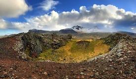 Γεωθερμικοί τοπίο και κρατήρας Holaholar Ισλανδία Στοκ φωτογραφία με δικαίωμα ελεύθερης χρήσης