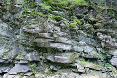 Γεωλογικό τμήμα των πύρινων βράχων στοκ εικόνες