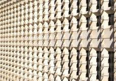 Γεωμετρική αρχιτεκτονική σχεδίων τοίχων της φουτουριστικής πόλης στοκ εικόνες με δικαίωμα ελεύθερης χρήσης