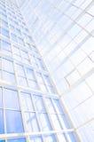 Γεωμετρικό μπλε αφηρημένο υπόβαθρο με τα τρίγωνα και τις γραμμές Στοκ φωτογραφία με δικαίωμα ελεύθερης χρήσης