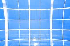 Γεωμετρικό μπλε αφηρημένο υπόβαθρο με τα τρίγωνα και τις γραμμές Στοκ Φωτογραφία