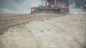 Γεωργία - παραγωγή προϊόντων, που φυτεύει το καλαμπόκι, σίτος συγκομιδών, εργασία τρακτέρ φιλμ μικρού μήκους