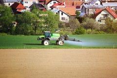 Γεωργική εργασία για τον τομέα Στοκ εικόνα με δικαίωμα ελεύθερης χρήσης