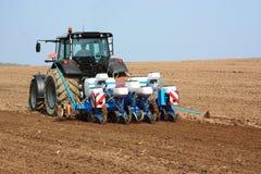 γεωργικός καλλιεργητή&sig Στοκ εικόνες με δικαίωμα ελεύθερης χρήσης