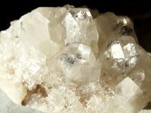 Γεωλογικά κρύσταλλα χαλαζία κρυστάλλου Apophyllite geode Στοκ Εικόνες