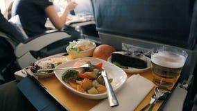 Γεύμα αεροπλάνων επιχειρησιακής κατηγορίας απόθεμα βίντεο
