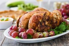 Γεύμα ημέρας των ευχαριστιών στο αγροτικό ξύλινο υπόβαθρο Στοκ Εικόνες
