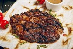 Γεύμα μπριζόλας βόειου κρέατος Στοκ εικόνα με δικαίωμα ελεύθερης χρήσης