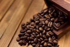 γεύσεις καφέ κανέλας φασολιών Στοκ εικόνες με δικαίωμα ελεύθερης χρήσης