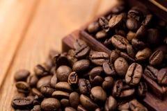 γεύσεις καφέ κανέλας φασολιών Στοκ φωτογραφία με δικαίωμα ελεύθερης χρήσης
