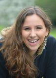 Γελώντας εφηβική γυναίκα στοκ φωτογραφία