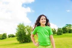 Γελώντας κορίτσι έξω Στοκ εικόνα με δικαίωμα ελεύθερης χρήσης