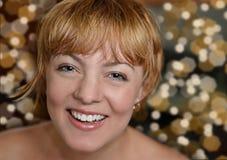 Γελώντας όμορφο κορίτσι στο κόμμα Στοκ εικόνες με δικαίωμα ελεύθερης χρήσης