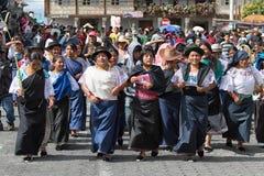 Γηγενείς γυναίκες που γιορτάζουν σε Cotacachi Ισημερινός Στοκ Εικόνες