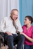 Γηριατρικός ασθενής στην αναπηρική καρέκλα Στοκ φωτογραφίες με δικαίωμα ελεύθερης χρήσης