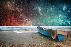 Γη και διαστημική ταπετσαρία φαντασίας Στοκ Εικόνα
