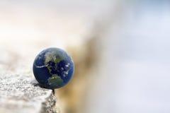 γη στην ισορροπία Στοκ φωτογραφίες με δικαίωμα ελεύθερης χρήσης