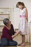 γιαγιά εγγονών φορεμάτων &pi στοκ εικόνες