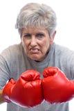 γιαγιά εγκιβωτίζοντας γαντιών Στοκ φωτογραφία με δικαίωμα ελεύθερης χρήσης