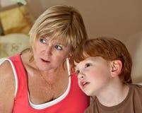 Γιαγιά και εγγονός στοκ εικόνες με δικαίωμα ελεύθερης χρήσης