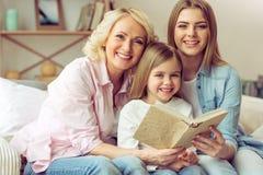 Γιαγιά, mom και κόρη στοκ φωτογραφία με δικαίωμα ελεύθερης χρήσης