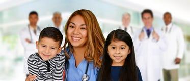 Γιατροί και νοσοκόμα Στοκ φωτογραφίες με δικαίωμα ελεύθερης χρήσης