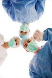 γιατροί που δείχνουν κάτ&iot Στοκ φωτογραφία με δικαίωμα ελεύθερης χρήσης