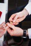 Γιατρός και υπομονετικά δείγματα αίματος Στοκ φωτογραφία με δικαίωμα ελεύθερης χρήσης