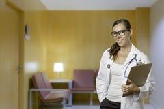 Γιατρός με την περιοχή αποκομμάτων Στοκ φωτογραφία με δικαίωμα ελεύθερης χρήσης