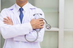 Γιατρός με το στηθοσκόπιο Στοκ Εικόνες