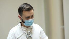 Γιατρός στην οδοντιατρική απόθεμα βίντεο