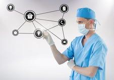 Γιατρός σχετικά με τα ψηφιακά παραγμένα συνδέοντας εικονίδια στοκ φωτογραφία με δικαίωμα ελεύθερης χρήσης