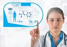 Γιατρός σχετικά με την οθόνη διεπαφών με τα ιατρικά εικονίδια Στοκ Εικόνες