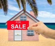 Για την πώληση στο σπίτι παραλιών Στοκ Εικόνες