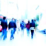 Για τους πεζούς άνθρωποι πόλεων στο δρόμο Στοκ Φωτογραφία