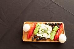 Για το καλό φυσικό πιάτο προγευμάτων πρωινού στοκ εικόνα με δικαίωμα ελεύθερης χρήσης