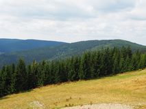 Γιγαντιαία βουνά, άποψη από το τοπ, δυτικό Sudetes στοκ εικόνα με δικαίωμα ελεύθερης χρήσης