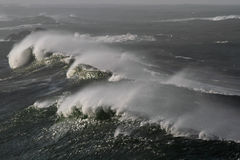 Γιγαντιαία κύματα Στοκ φωτογραφίες με δικαίωμα ελεύθερης χρήσης