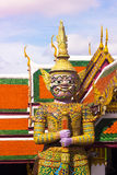 Γιγαντιαία πορφύρα Wat Phra kaew Στοκ φωτογραφίες με δικαίωμα ελεύθερης χρήσης