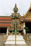 Γιγαντιαίες στάσεις στο Wat Phra Kaew, Μπανγκόκ, Ταϊλάνδη Στοκ Εικόνα