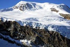 Γιγαντιαίοι παγετώνας & x28 αμοιβών γλωσσών παγετώνων Αμοιβή Gletscher& x29  στην αμοιβή Saas Στοκ Φωτογραφία