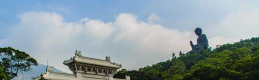 Γιγαντιαίο άγαλμα Tian Tan Βούδας στην αιχμή του βουνού Po Lin στο μοναστήρι στο νησί Lantau, Χονγκ Κονγκ Στοκ εικόνες με δικαίωμα ελεύθερης χρήσης