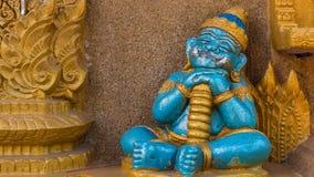 Γιγαντιαίο άγαλμα μωρών ύπνου στον ταϊλανδικό ναό Στοκ Εικόνα