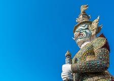 Γιγαντιαίο άγαλμα φρουράς στο pra Kaew Μπανγκόκ Ταϊλάνδη Wat Στοκ Εικόνες