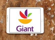 Γιγαντιαίο λογότυπο αλυσίδα σουπερμάρκετ τροφίμων Στοκ Φωτογραφίες