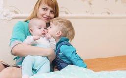 γιοι δύο μητέρων Στοκ Εικόνα