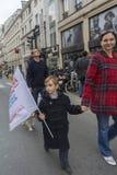 γιορτάζοντας αποτελέσματα Προέδρου πλήθους γαλλικά Στοκ εικόνες με δικαίωμα ελεύθερης χρήσης