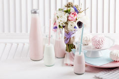Γιορτή γενεθλίων στο ροζ Στοκ φωτογραφίες με δικαίωμα ελεύθερης χρήσης