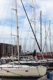 Γιοτ αντανάκλασης βόρειων αποβαθρών βαρκών θαλάσσιων λιμένων meny diffirent φως του ήλιου Scheveningen Χάγη Ολλανδία λιμένων ηλιο Στοκ εικόνες με δικαίωμα ελεύθερης χρήσης