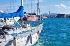 Γιοτ στην πόλης μαρίνα της Ζάκυνθου στο νησί της Ζάκυνθου, Ελλάδα στοκ φωτογραφία με δικαίωμα ελεύθερης χρήσης